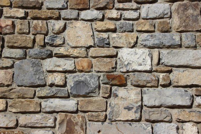 Kamień we wnętrzu